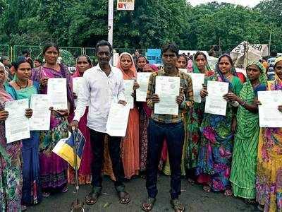 Gujari Bazar vendors carry HC order to do biz