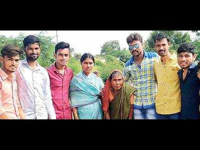 Man collects Rs 100 from slums, says govt will pay back Rs 10,000