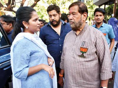 Daughter-in-law of Girish Bapat guns for family bastion