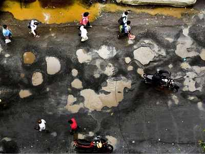 Marathi actors slam government over bad roads - Why no potholes in front of CM's bungalow or Mantralaya?