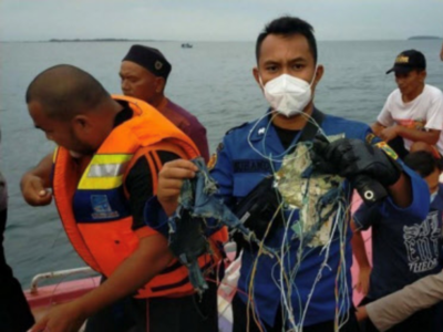 Indonesia: Sriwijaya Air plane crashes in waters off Jakarta with 65 people onboard