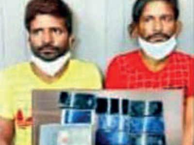 Covid-positive criminals infect 2 cops, flee custody