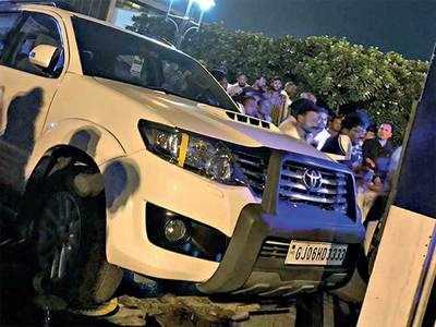 BJYM, cops spar over wrongly parked car