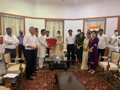 Raj Thackeray meets Maharashtra Governor over inflated power bills