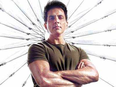 Sonu Sood moves Bombay HC against BMC notice for illegal construction