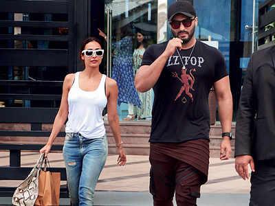 Malaika Arora and Arjun Kapoor spotted at BKC
