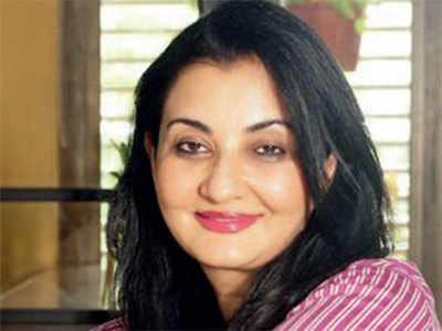 Short of time, Manjula Shroff meets AMC chief