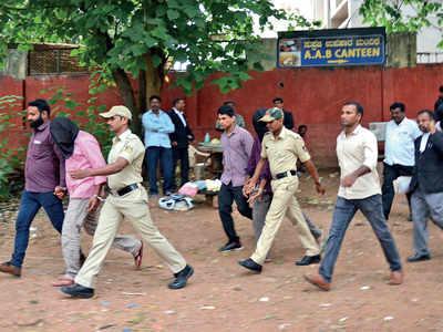 Prosecution: Far-right terrorist ring killed Gauri
