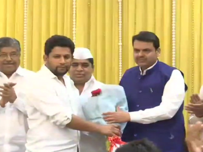 Sujay Vikhe Patil, son of Congress leader Radhakrishna Vikhe Patil, joins the BJP