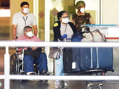 In public interest: Fliers clear screening but self-quarantine