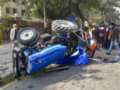 Farmers' Protest: One dies as tractor overturns; internet services suspended in parts of Delhi