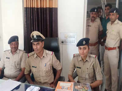 Gang of 'fair price shop' cheats busted in Amreli