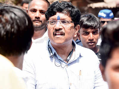 Vanchit Bahujan Aghadi leader Anandraj Ambedkar breaks MCC, campaigns on voting day for party candidate