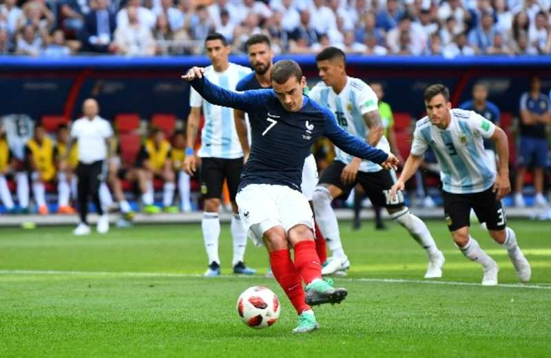 Antoine Griezmann gives France early lead