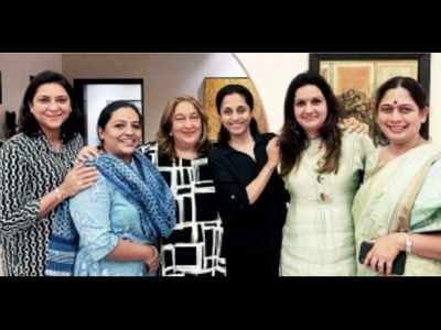 Priya Dutt, Priyanka Chaturvedi and others attend Supriya Sule's intimate dinner party