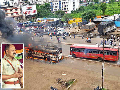 This cop stalled 4,000 rioters from going on a rampage in Chakan