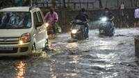 Pune: Waterlogging in Kothrud after rain lashes city
