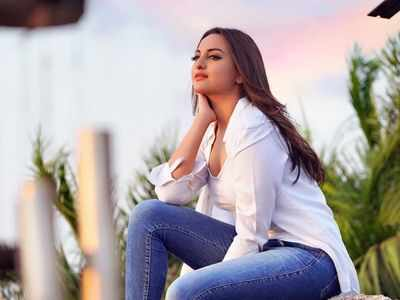 Police team visits Sonakshi Sinha's house in cheating case