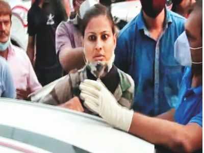 Surat constable hits out at 'corrupt officials'