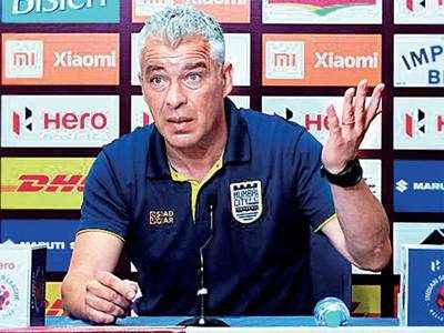 Mumbai City coach alleges racial abuse