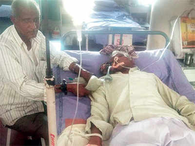 No space in ICU, kin pump oxygen manually to keep 65-year-old alive