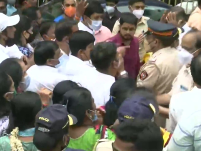 Mumbai: FIR against seven Shiv Sena members after clash with BJYM workers at Dadar