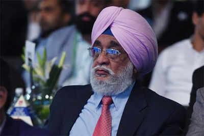Mahindra Scorpio TOISA: Hockey legend Ajit Pal Singh bestowed with Lifetime Achievement Award