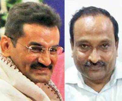 Two from city among 41felicitated by CM