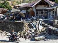 Indonesia earthquake: 91 killed as powerful earthquake hits Indonesia's Lombok