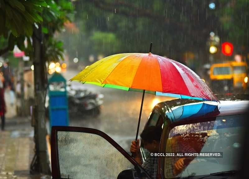 Heavy rain lashes Mumbai, downpour to continue over weekend