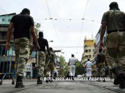 Kolkata: Locals vandalise ration dealer's house in Murshidabad
