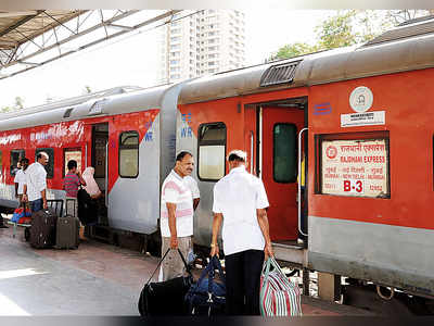 Western Railway runs special train on Mumbai-Delhi route to cope with flights shortage