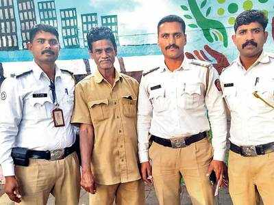 Cops save auto driver having a heart attack