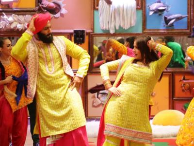 Bigg Boss 13 Grand Finale: Sidharth Shukla goes the Punjabi way for Shehnaaz Gill