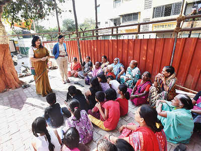 Aundh citizens spread COVID-19 awareness among domestic help