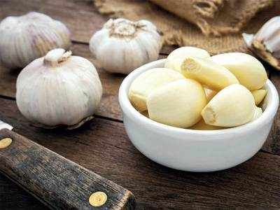 MIRROR MYTH BUSTERS Does eating garlic or lemon help prevent infection of the new coronavirus?