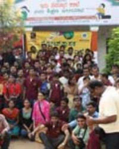 Relief work: Techies put govt to shame
