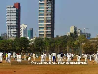 People flock to Mumbai's Shivaji Park despite increase in COVID-19 cases