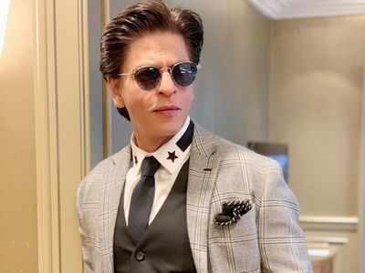AskSRK: Shah Rukh Khan's witty reply when asked how much it would cost to rent a room in Mannat will win your heart!