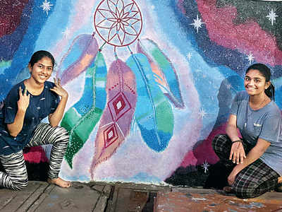 Teens use art to beautify Shanti Complex on Saki-Vihar Road