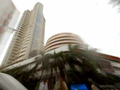 Sensex down over 100 pts on weak global cues