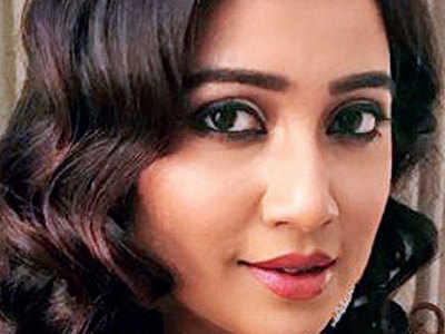 Shreya barred from carrying her musical instrument on flight