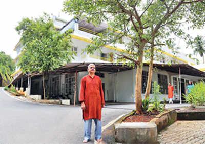 'Politicians should start sadhana'