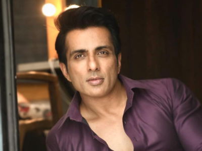 Maharashtra Governor appreciates Sonu Sood's relief work