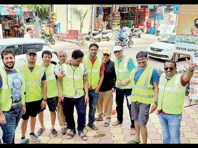 Locals turn traffic volunteers to man road in Lohegaon