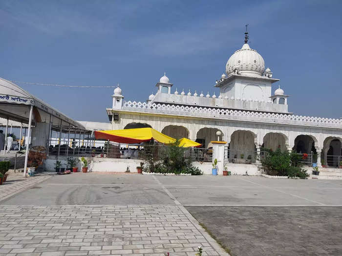 Visual from Kaudiyala Sahab Gurudwara where 'Akhand Paath' is held for the farmers and the journalist who were killed on October 3.