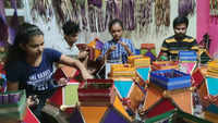 Mumbai gears up for Diwali with pretty kandeels!