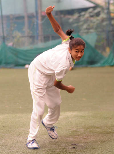 This maiden bowls us over: Nagma makes it to the Karnataka Under-16 cricket team as a fast bowler