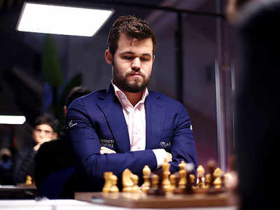 Superfast Magnus Carlsen shows speed skills as rivals scramble for semi-final places