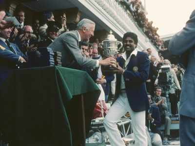 Photo - This day in history: Kapil Dev lifts 1983 World Cup trophy